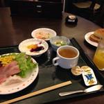 万葉倶楽部 - 朝食バイキング
