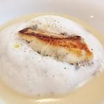 37094766 - 新玉ねぎとジャガイモのスープ仕立て 真鯛のソテーとミルクのエスプーマ