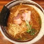 麺 くぼ田 - 醤油らーめん 手もみ麺 1.5玉 750円