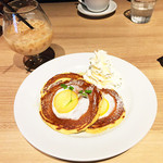 37097558 - ハチミツレモンパンケーキ+ロイヤルミルクティー