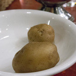 ボンナペティ - まずは小さなジャガイモが二個。