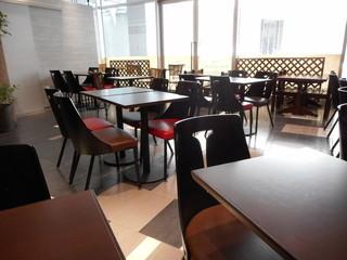 グリッシーニ - 店内テーブル席
