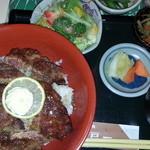 にっぽんの洋食 江戸一 - 2013/02/25 12:00訪問 ビフテキ丼¥1,350