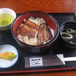 3711701 - ランチタイムサービスの鰻丼1000円(吸い物付き)