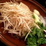 ラムしゃぶ 金の目 - お野菜も食べ放題