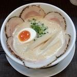 ラーメン家 みつ葉 - 豚 CHIKI しょうゆチャーシュー