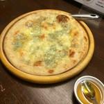 モカロ - ゴルゴンゾーラチーズのはちみつ添えピザ(1100円)
