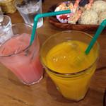 池袋ビッグアイランドグリルアンドバー - セットのグァバとマンゴージュース