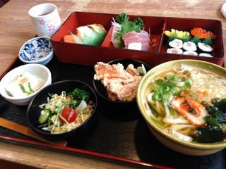 百万石どんどん 丸岡店 - 寿司定食