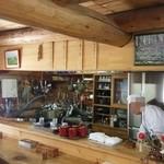 八甲田そば処きこり - 冬はスキーの先生、夏場は蕎麦屋の店主 好きなことやって生きてると語る。