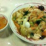 紅花 - 五目硬炒麺(硬やきそば)
