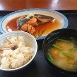 魚よし - 煮魚定食