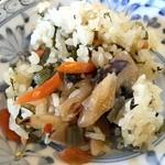 焼肉水源 - 高菜炊込み飯(≧∇≦)