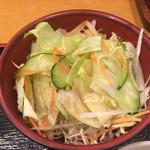 和菜酒だいにんぐみなみ - 【2015年4月追加】セットのサラダにドレッシングをかけて・・・
