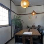 蕎麦屋やまぐち - テーブル席