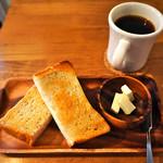 マーノプラス - トーストとコーヒー