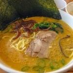ラーメン横浜家 - ラーメン 650円/麺固め油多め