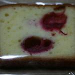 37137003 - パウンドケーキ フランボワーズ¥190
