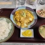 寄り道 - 料理写真:チキンカツとじ定食