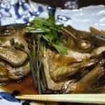37137395 - 真鯛カブト煮付け 780円