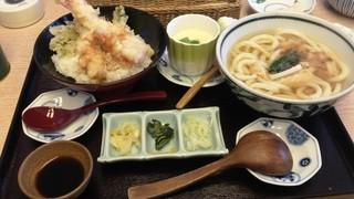 歌行燈 新宿店 - 天丼定食(温かいうどん)