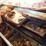 丸冨水産 - 貝がいっぱい!