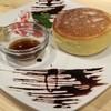 DADACCO - 料理写真:分厚い鉄版ホットケーキ