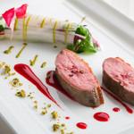 エノテーカ ピンキオーリ - 鴨のロースト 野菜のブーケとピスターシュ