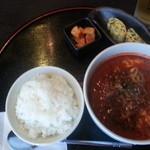 韓菜 - 2013/10/01 12:50訪問 ユッケジャンスープとご飯(大盛) \1,000