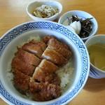 東庵 - かつ丼 980円