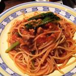37144877 - サルシッチャと小松菜のトマトソース。サルシッチャの旨味がじわーっと出ていてとても美味しかった!