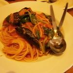 カプリチョーザ - 揚げ茄子とほうれん草のパスタ