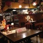 台湾食堂 帆 - そして落ち着く内装