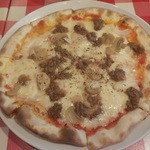 アルベロベロ - 牛ひき肉のピッツァ