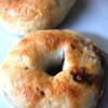そらとくもと - 料理写真:プレーンベーグルとエスプレッソベーグル