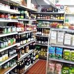 シーワント - 整然と並ぶ缶詰、瓶詰、など