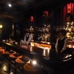 cafe bar Bank - 店内/カウンター