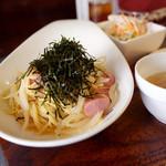 waingadaisukinaonikuyasanchinosumibiyakiitariangattsuxo - ソーセージと玉ねぎの和風パスタ ¥950