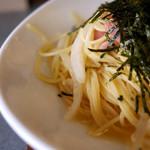 waingadaisukinaonikuyasanchinosumibiyakiitariangattsuxo - ソーセージと玉ねぎの和風パスタ