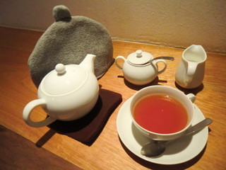 お茶とお菓子まやんち - ウバ・ハイランズ茶園