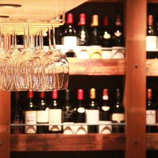 国内外から厳選したワインの数々