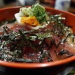 きよ都 - カツオ、ヒラメ、アジ、ワラサと、オール地魚で作ってくれました。
