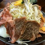 陶板焼 一宮 - で、私がチョイスしたのは牛の陶板焼です。野菜が沢山入っています。