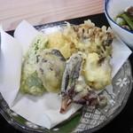 そば処 鳩美 - 山菜天ぷら