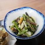 そば処 鳩美 - 山菜
