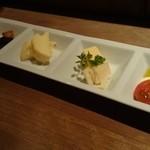 ハートランド - 料理写真:チーズ三種盛り
