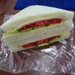 ジューンベリー - サンドイッチ 270円