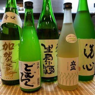 毎週変わる各県の酒や富山の地酒
