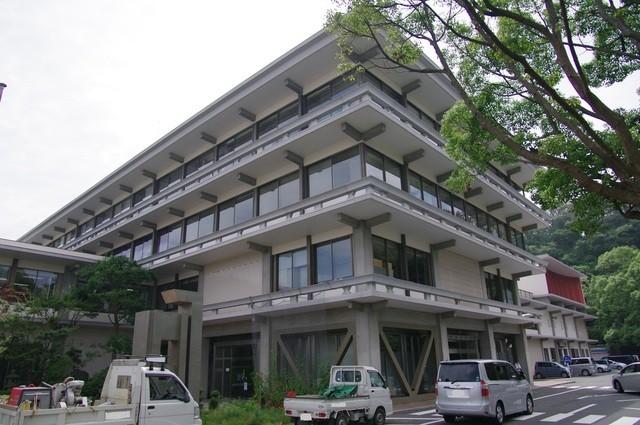 竹扇 - 市役所のすぐ近く
