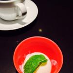 鉄板Diner JAKEN 恵比寿店 - ヨーグルトアイスとコーヒー